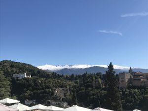 La primera nieve sobre las montañas