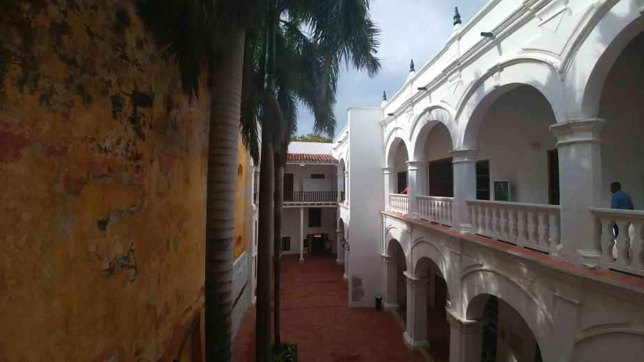 in-cartagena-looking-at-the-colonial-buildings