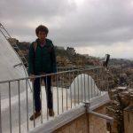 أنا على سطح كنيسة الخضر- On top of the roof of the Church of St George in Salt.
