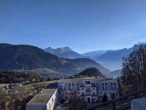Vue sur la montagne depuis Leysin, une ville des Alpes suisses où j'ai récemment fait une randonnée.
